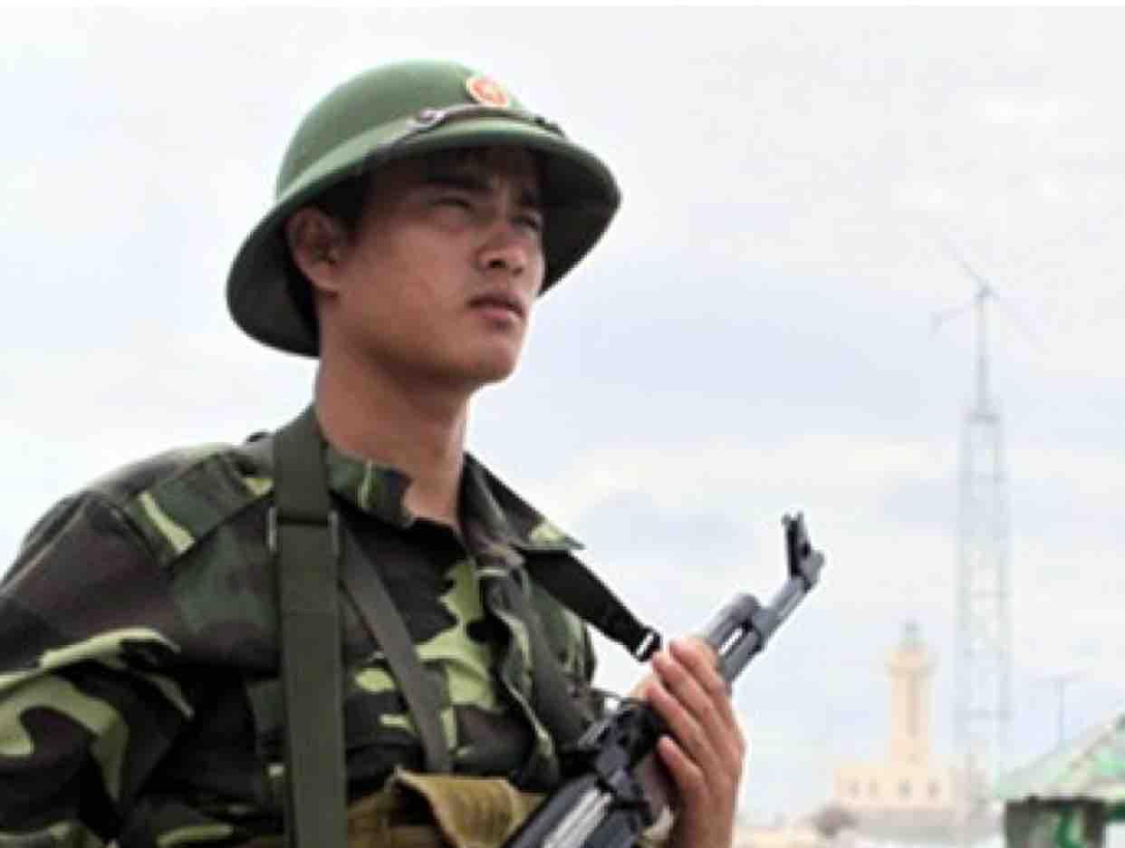 Dáng Đứng Việt Nam - Hà Mạnh Hùng