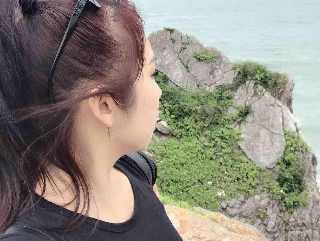 Màu Hoa Đỏ - Thuỷ LeO