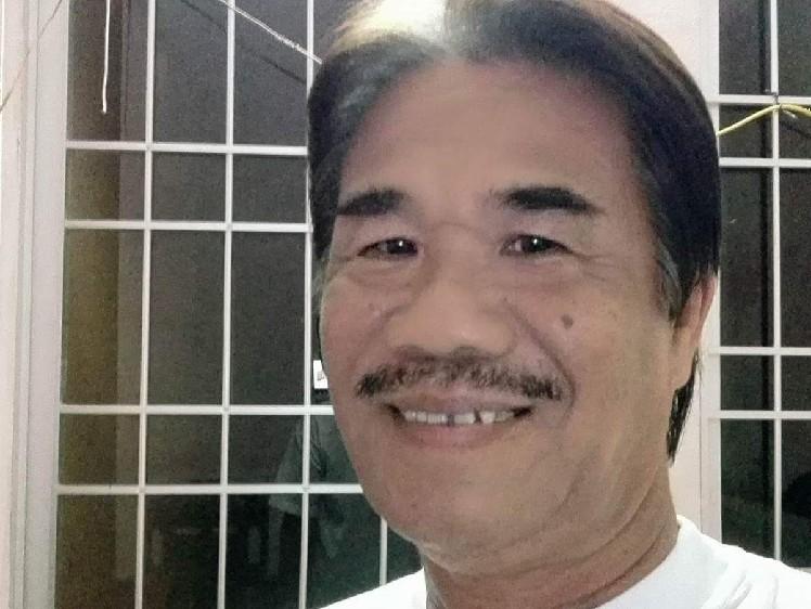 Người Mang Tâm Sự - Quang Lê (Karaoke)